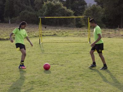 ¡A jugar Fútbol con playeras de juego limpio!  Activación física para mejorar la salud de los adolescentes.